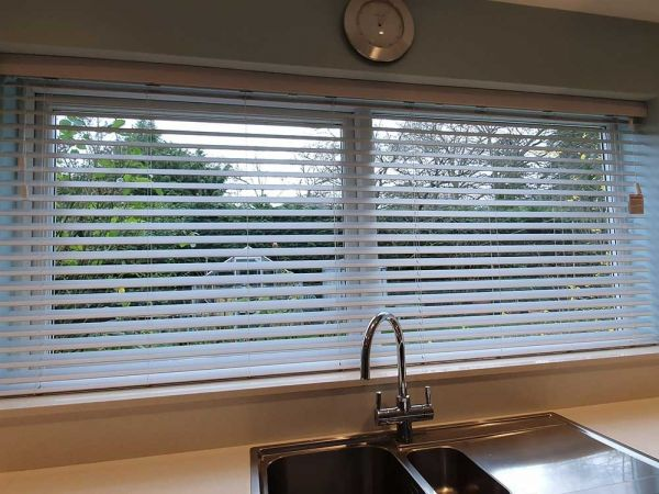 wood venetian blinds1